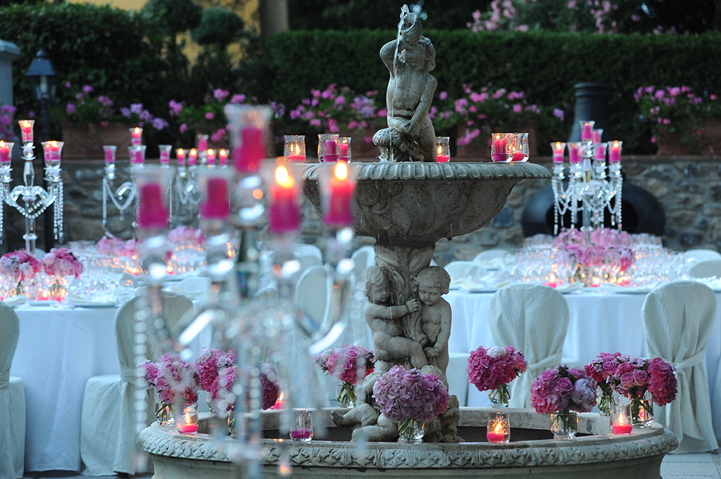 contact wmg - wedding table Florence gay